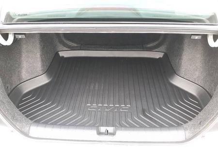 Honda Civic 2017  выпуска Ивано-Франковск с двигателем 2 л бензин седан автомат за 17800 долл.