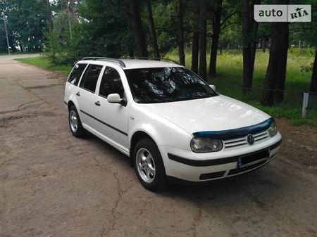 Volkswagen Golf 2003  выпуска Днепропетровск с двигателем 1.6 л газ универсал механика за 5650 долл.