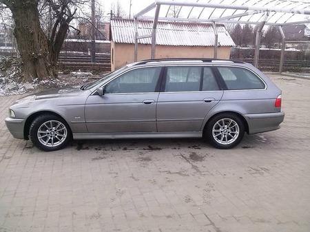 BMW 520 2002  выпуска Львов с двигателем 2 л дизель универсал механика за 6800 долл.
