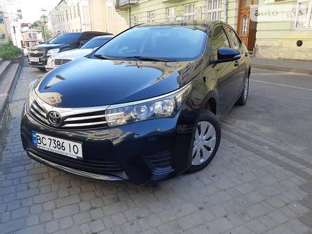 Toyota Corolla 2013  выпуска Львов с двигателем 1.3 л бензин седан механика за 11800 долл.
