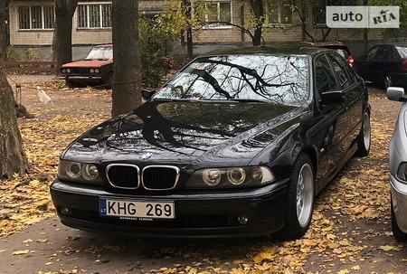BMW 525 2001  выпуска Киев с двигателем 2.5 л дизель седан автомат за 8400 долл.