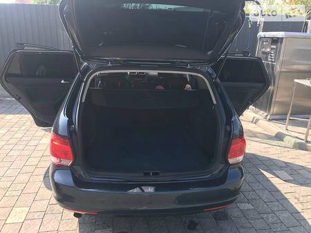 Volkswagen Golf 2010  выпуска Ужгород с двигателем 1.6 л дизель универсал механика за 6600 евро