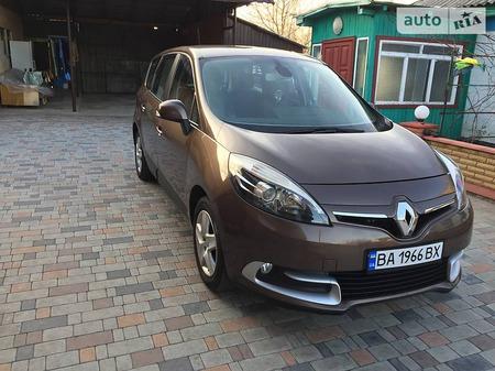 Renault Scenic 2013  выпуска Кировоград с двигателем 1.5 л дизель минивэн механика за 11700 долл.