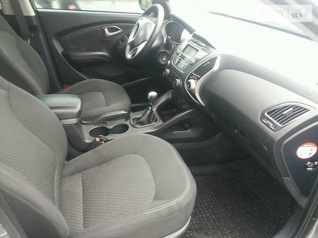 Hyundai ix35 2013  выпуска Хмельницкий с двигателем 2 л дизель внедорожник механика за 15000 долл.