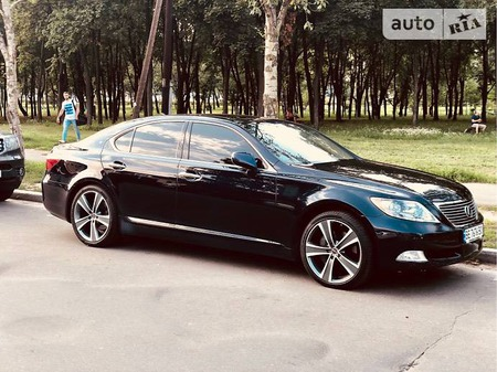 Lexus LS 460 2008  выпуска Киев с двигателем 4.6 л бензин седан автомат за 16000 долл.