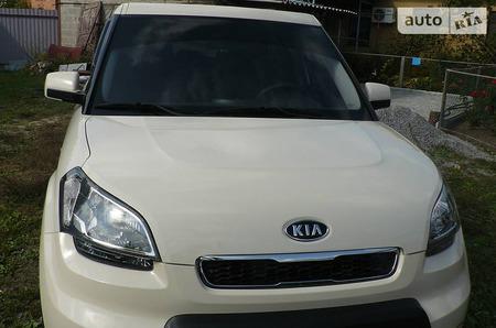 KIA Soul 2011  выпуска Донецк с двигателем 1.6 л бензин универсал механика за 10200 долл.