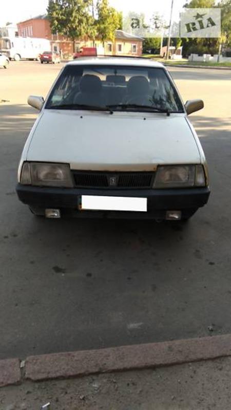 Lada 21093 1995  выпуска Харьков с двигателем 1.5 л газ хэтчбек механика за 600 долл.