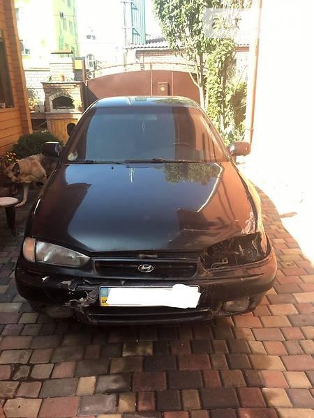 Hyundai Lantra 1994  выпуска Ровно с двигателем 1.5 л бензин седан механика за 37000 грн.