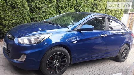 Hyundai Accent 2011  выпуска Киев с двигателем 1.4 л газ седан механика за 8700 долл.