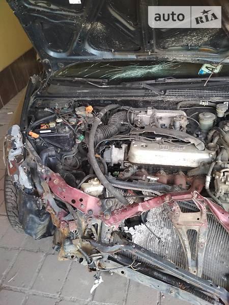 Honda Accord 1993  выпуска Днепропетровск с двигателем 2 л бензин седан механика за 1500 долл.